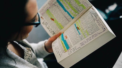 Học mọi lúc mọi là cách hữu hiệu nhất trong 10 Cách học tiếng Anh hiệu quả tại nhà
